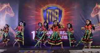 _U9B3737 stick dance